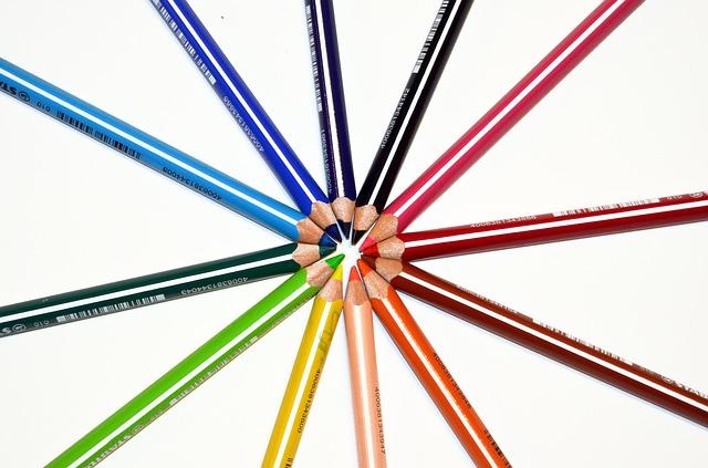 crayons-428283_640